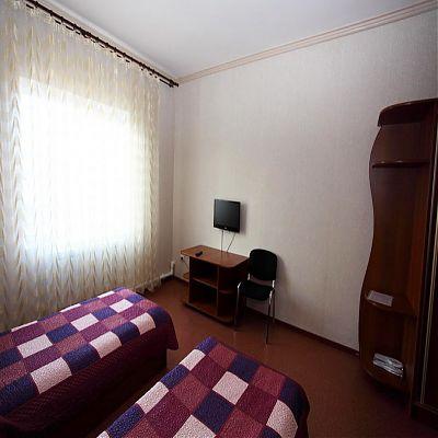 Санрайс Андеевка стандарт плюс с двумя односпальными кроватя