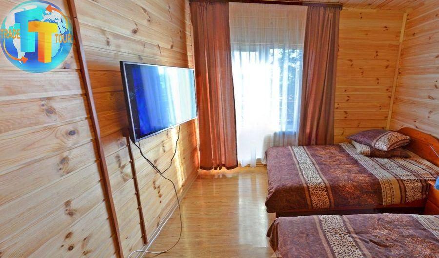 Номер «Стандарт» с двумя кроватями на базе отдыха «Лагуна»