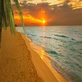 море и песчаный пляж Ливадия