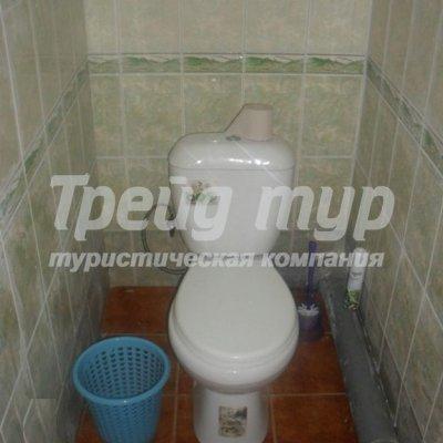 """Туалет в 2-х местном номере """"Эконом"""" базы """"Милана"""""""